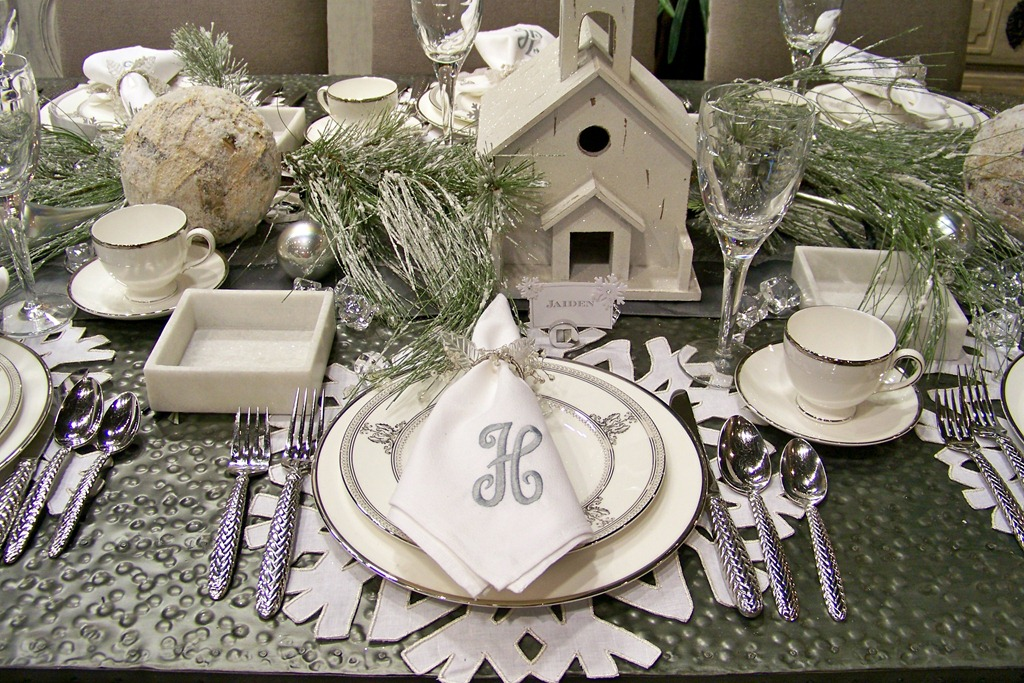 holiday tablescapes tips for decorating your holiday table heather scott home design. Black Bedroom Furniture Sets. Home Design Ideas