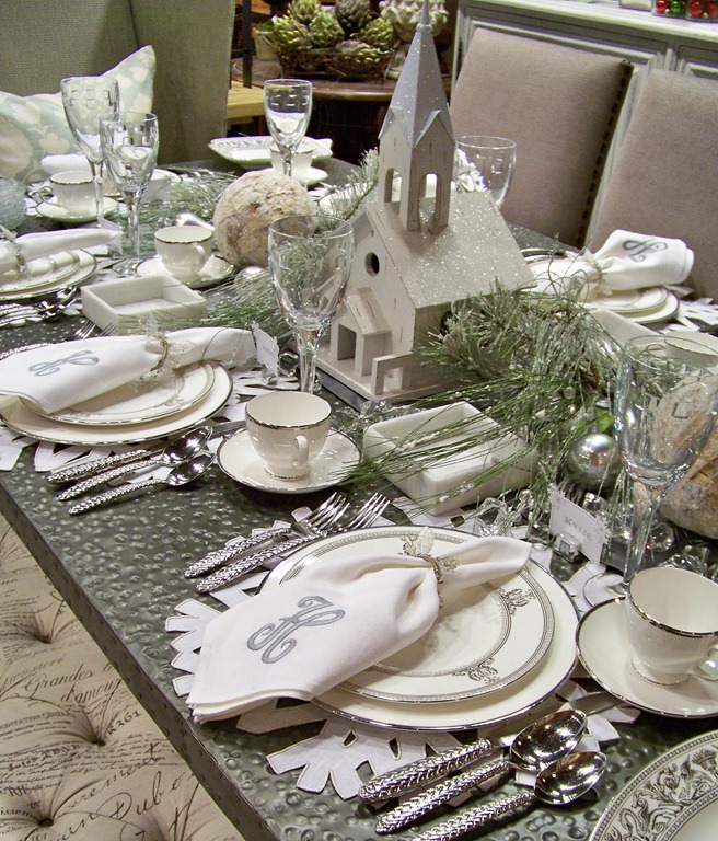 Decorating Tablescapes: Holiday Tablescapes: Tips For Decorating Your Holiday
