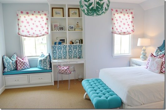 teen girl bedroom side view
