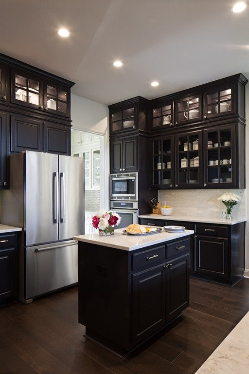 Texas Decor Rearranging The Tops Of My Kitchen Cabinets: BEFORE & AFTER: BLACK KITCHEN CABINETS + BREAKFAST ROOM