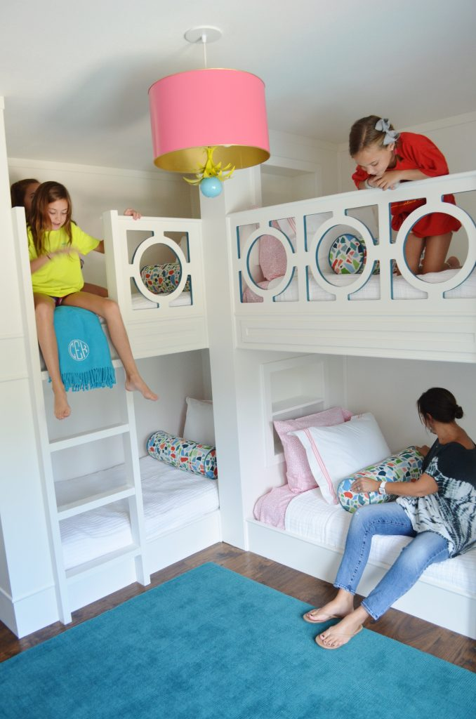 girls in bunks