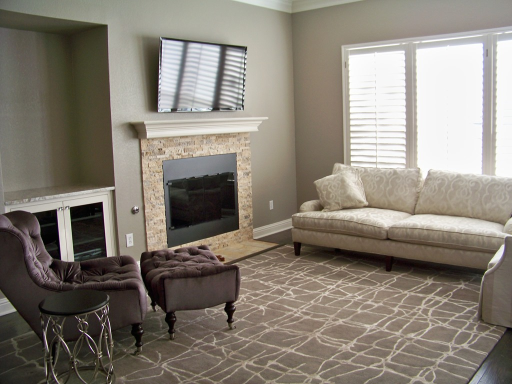 Before Amp After Chic Family Room Heather Scott Home Amp Design