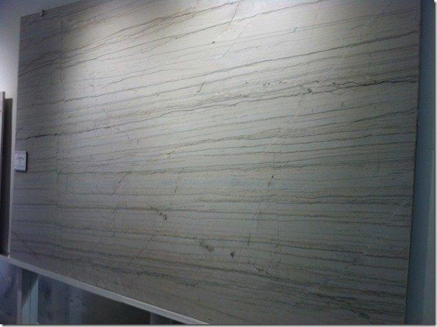 White macaubas marble